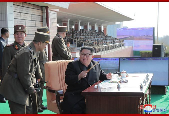 金正恩观摩朝鲜空军飞行大赛 提出发展航空武力纲领性任务
