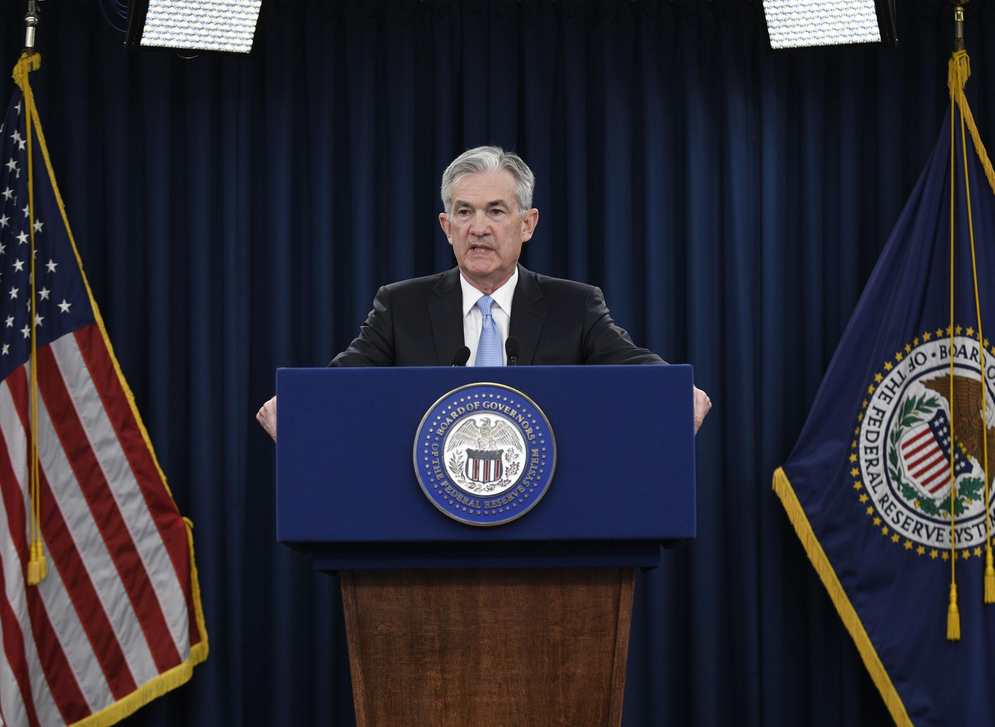 原创 美联储停止加息影响:人民币升值金价涨 美股或迎来熊市