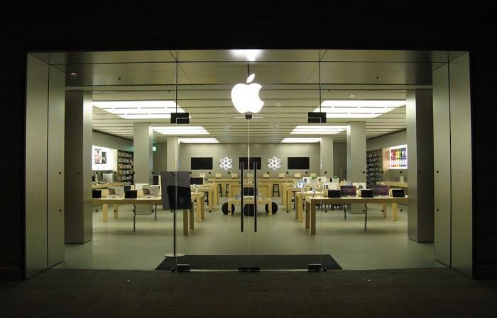 法官裁决股东可针对苹果2018年隐瞒iPhone需求疲软提起诉讼