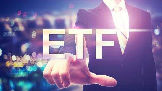 基金抢滩布局ETF:南方、易方达强者恒强 富国造爆款