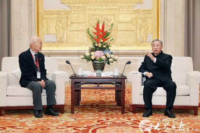 三分球亚博体育_米兰达谈搭档李昂:他是目前中国最好的后卫之一