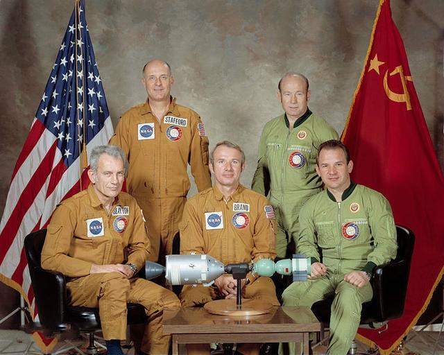 俄罗斯前反间谍局领导剧透与美斗法故事,还谈到宇航员的神奇药丸