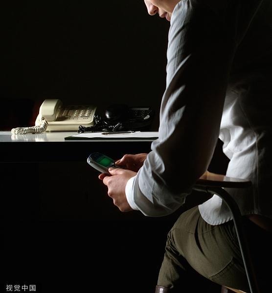 银行客服电话通知多了张信用卡?安全专家:这是骗子的新剧本