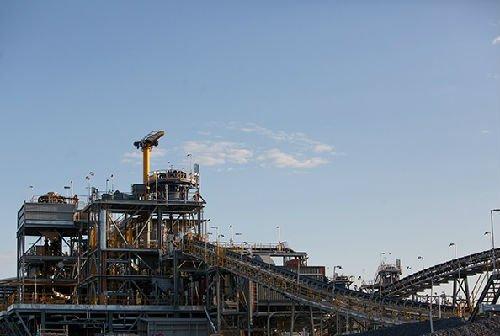 杜加尔河锌矿选矿厂。(企业供图)