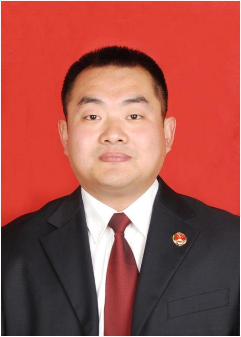 李志强,淄博市人民检察院公诉二处一级检察官,全市优秀公诉人。