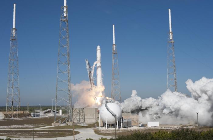 SpaceX再次推迟猎鹰9号火箭发射