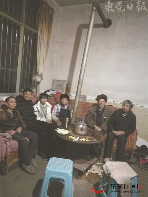 东莞援滇教师黄兆洪:踏遍深山家访 力争社会资助