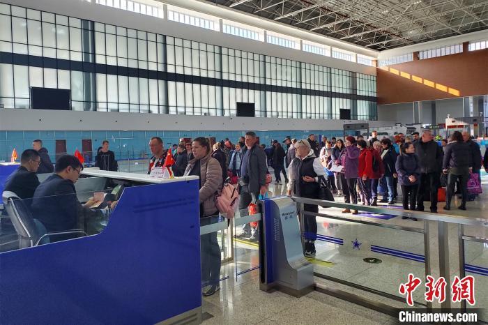 「互博网上注册」外交部:普吉岛翻船事故中国游客78人获救47人失踪