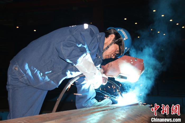 技能改变人生 焊工李红波:从农