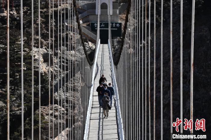 宁夏贺兰山国家森林公园对外恢复开放图片