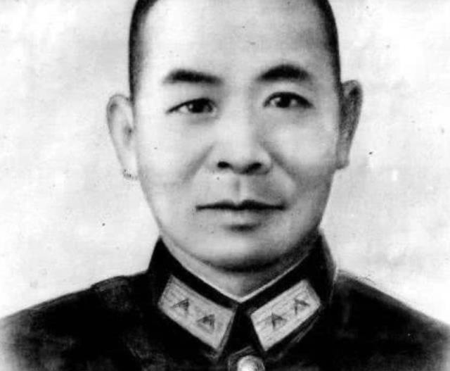 营救上千党员的红色特工,奉命到台湾继续潜伏,半路被解放军抓了