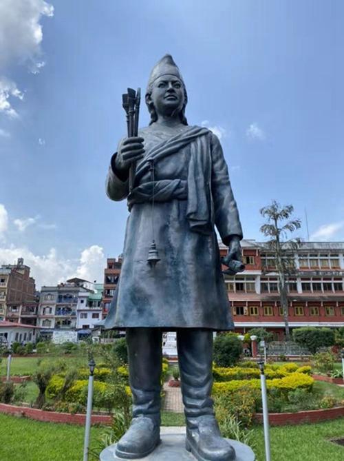 尼泊尔帕坦市的阿尼哥雕像。阿尼哥是中国元代来华的知名工艺家,已成为尼中友好的代表人物。习近平主席也在署名文章中提到了他。新华社记者张文摄