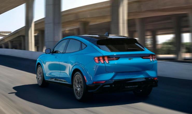 8码投注方案|300工程师3年研发,奔腾打造史上最强SUV,买的人都说值