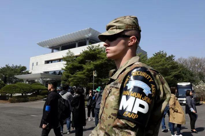 ▲4月18日,一名美军在板门店和平之家外。(盖帝图像)