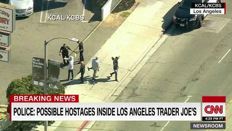 洛杉矶疑发生人质劫持健康行业加盟代理项目事件 警方开枪射中嫌犯并救出1人