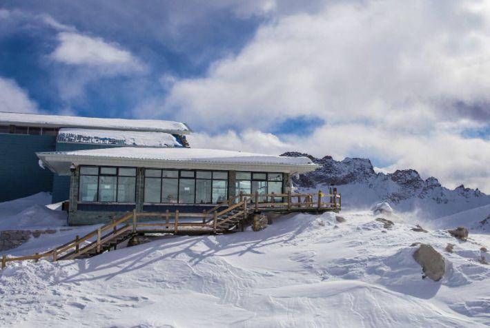 中国最美古冰川,《中国机长》拍摄地,让无数游客为之惊艳!
