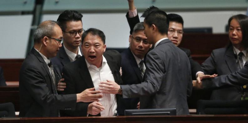 香港局势最新动态 保安局局长:至上月底有3001人被捕