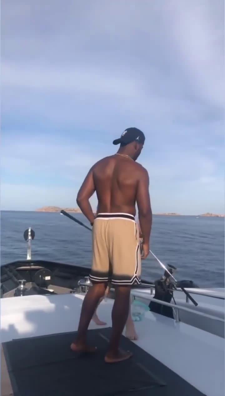 保罗游艇上打高尔夫,本来以为是个王者,没想到