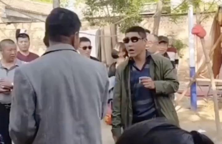 朱之文家门被踹 菏泽单县公安局通告:嫌疑人被行拘