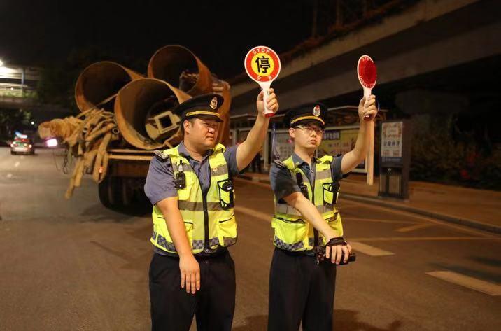 广州治超现场:不到1小时查出9辆涉嫌超载货车