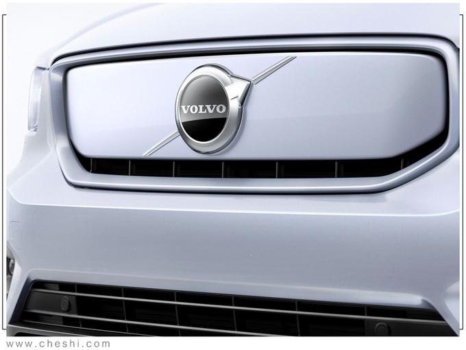 沃尔沃新SUV!比宝马X1合适,内饰配置亮了,买它还是奔驰GLB