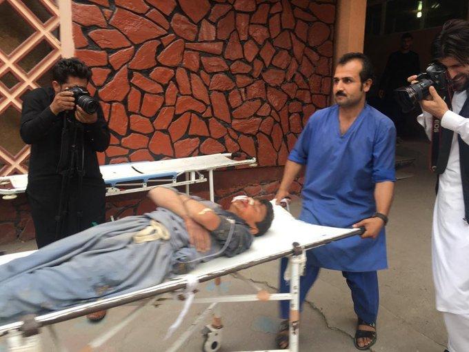 伤者被收往病院。(图自帕杰瓦克消息社)