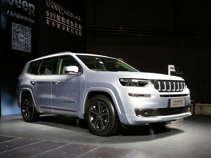 Jeep最省油的SUV 30万出头!和汉兰达一样大 百公里1.6个油