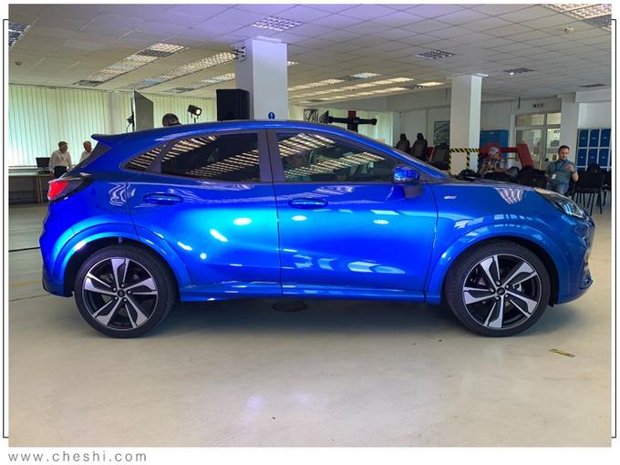 """福特全新SUV售价!外观酷似""""MINI"""",比本田缤智值,关键还省油"""