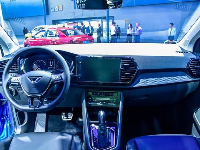 捷达大SUV实拍,尺寸超日产奇骏,10万元就能享受20万配置