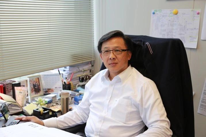 来北京看阅兵前 香港议员何君尧说了什么?