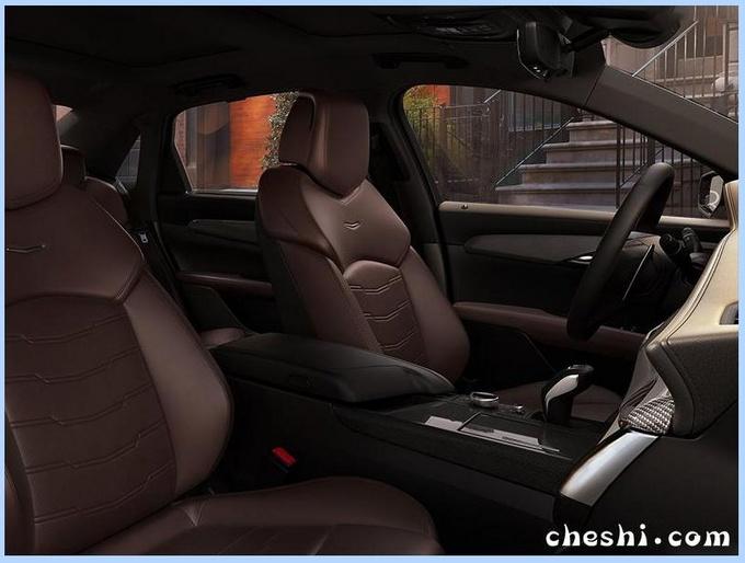 凯迪拉克CT6高性能版,4.2T V8加持,比奔驰E豪华多了