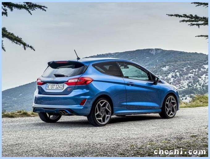 福特全新嘉年华实拍,1.0T油耗仅4.7L,10万还考虑大众Polo吗?