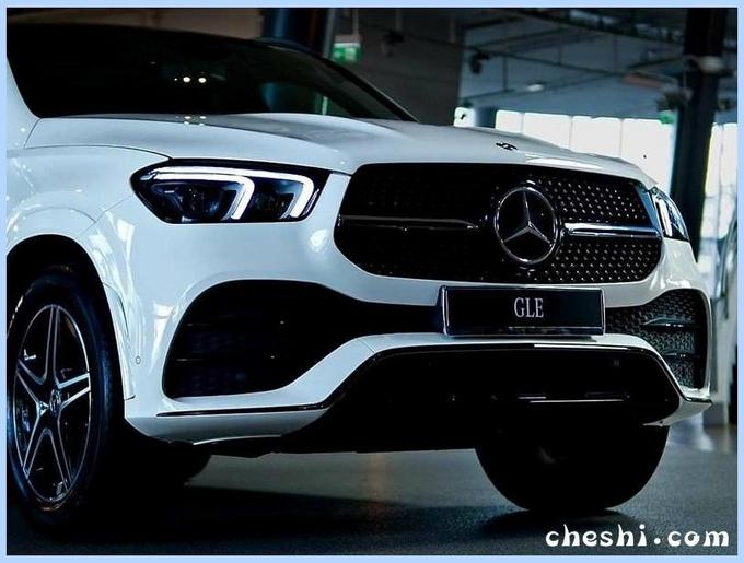 豪华气质远超宝马X5!奔驰全新GLE到店实拍,3.0T卖74万起