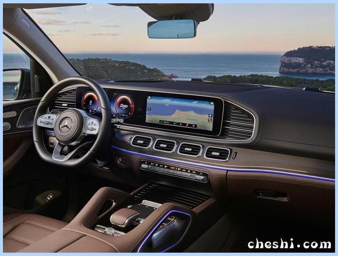 轴距超宝马X7!奔驰全新GLS实车曝光,配12寸超大液晶屏幕