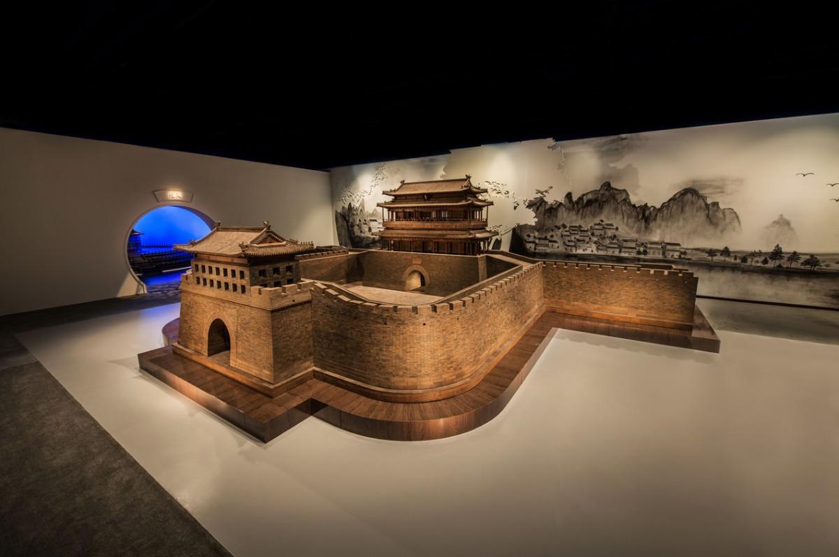 下周文物博览会:六吨重紫檀角楼模型,一根钉子都没用
