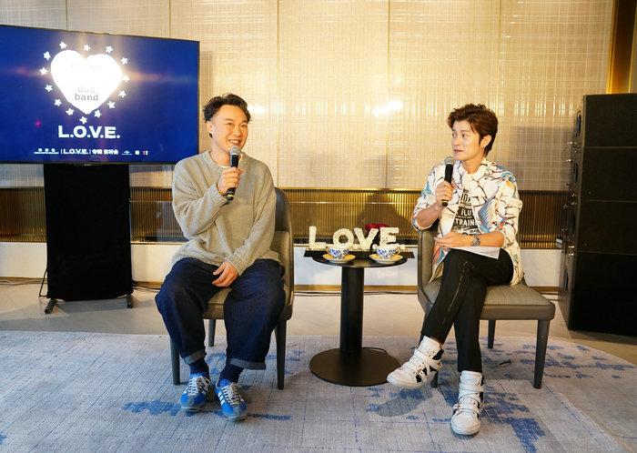 陈奕迅新专辑《L.0.V.E.》首听会 分享创作历程