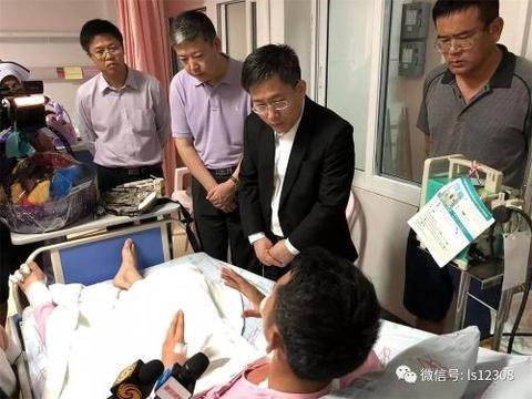 泰国游船倾覆致33名中国游客遇难 16人仍失联