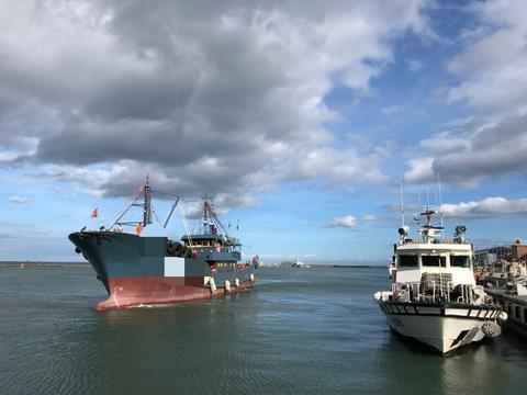 被扣押的大陆渔船(图源:联合新闻网)