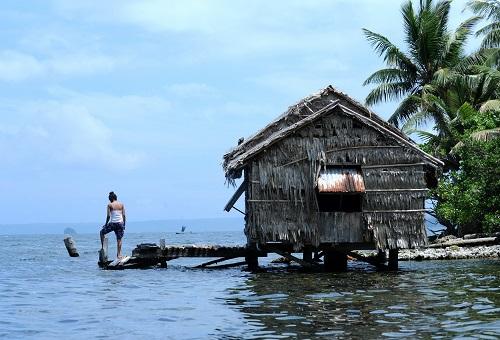 资料图:这是位于南太平洋岛国所罗门群岛的东伦内尔岛(2013年10月30日摄)。 新华社记者高健钧摄
