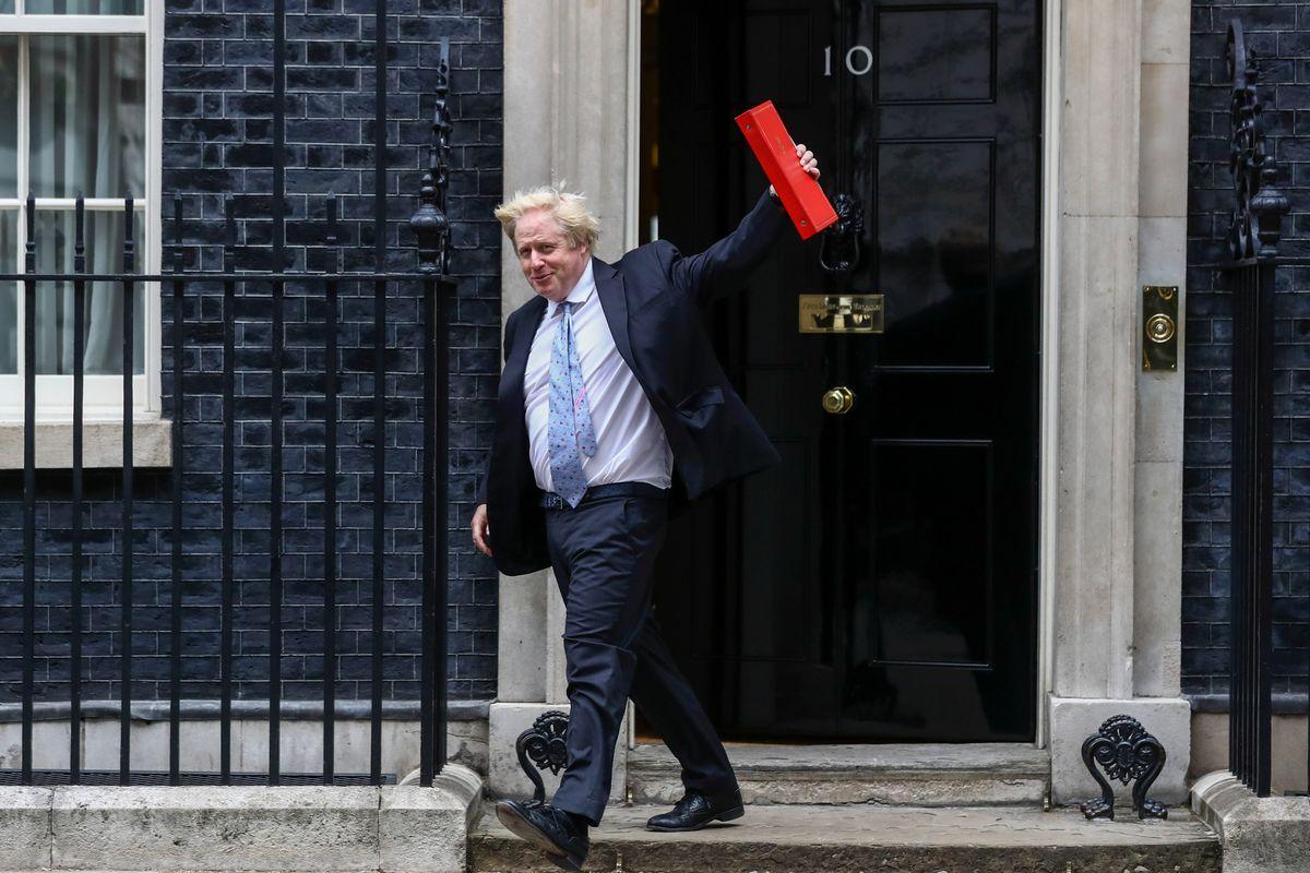 英国政坛风波不断英镑走疲 日元下滑风险资产持坚