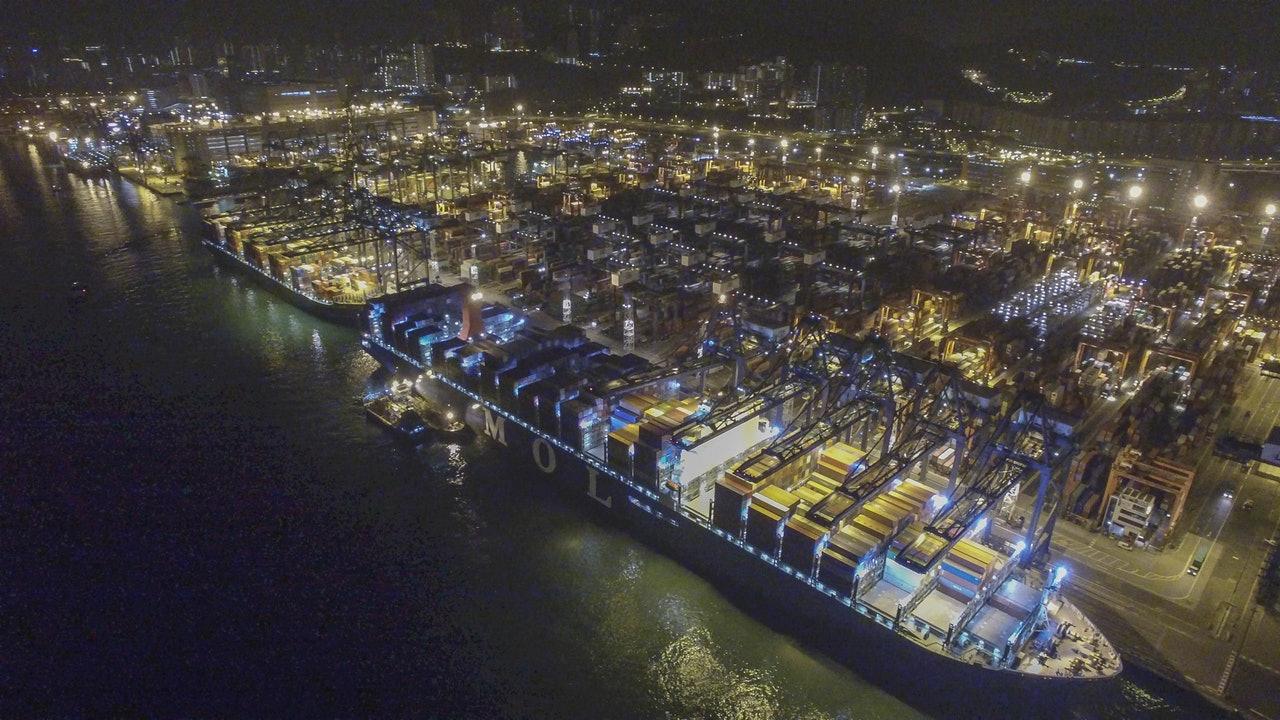 2018年全球前20大集装箱港口预测报告发布:香港