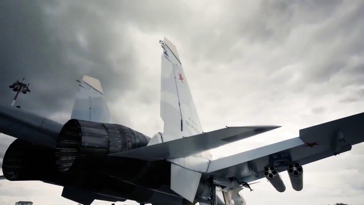 俄式航空美学,苏-30SM飞行混剪!