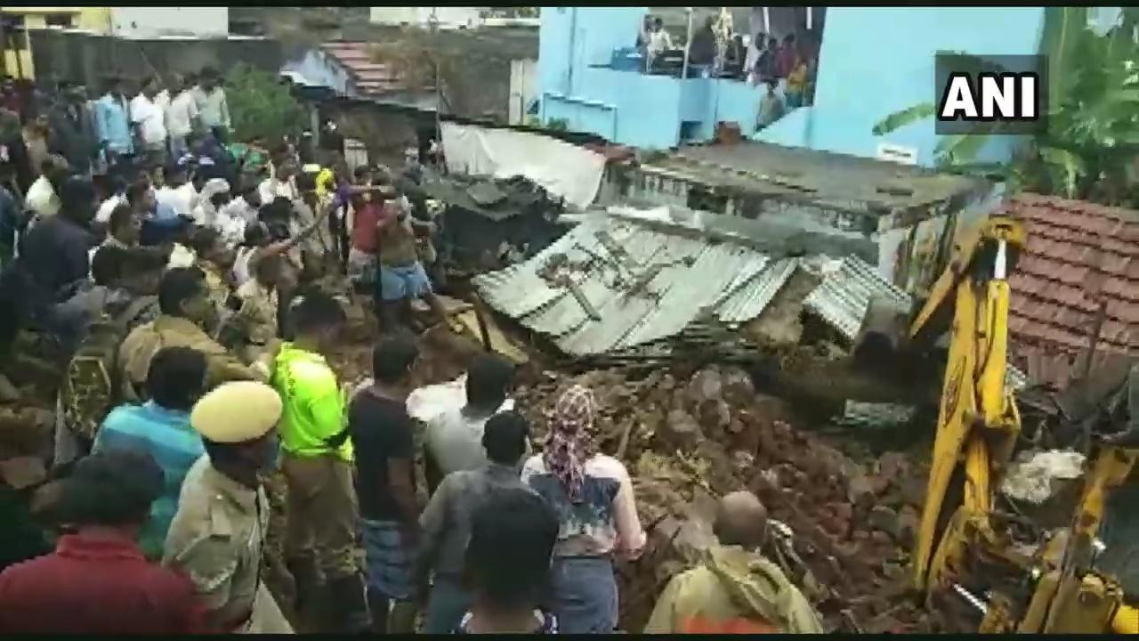 受强降雨影响印度南部房屋倒塌 至少17人死亡(图)
