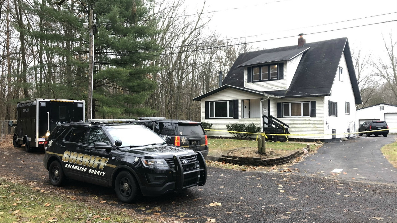 美国密歇根发生人质劫持案:1名人质被打死|人质劫持