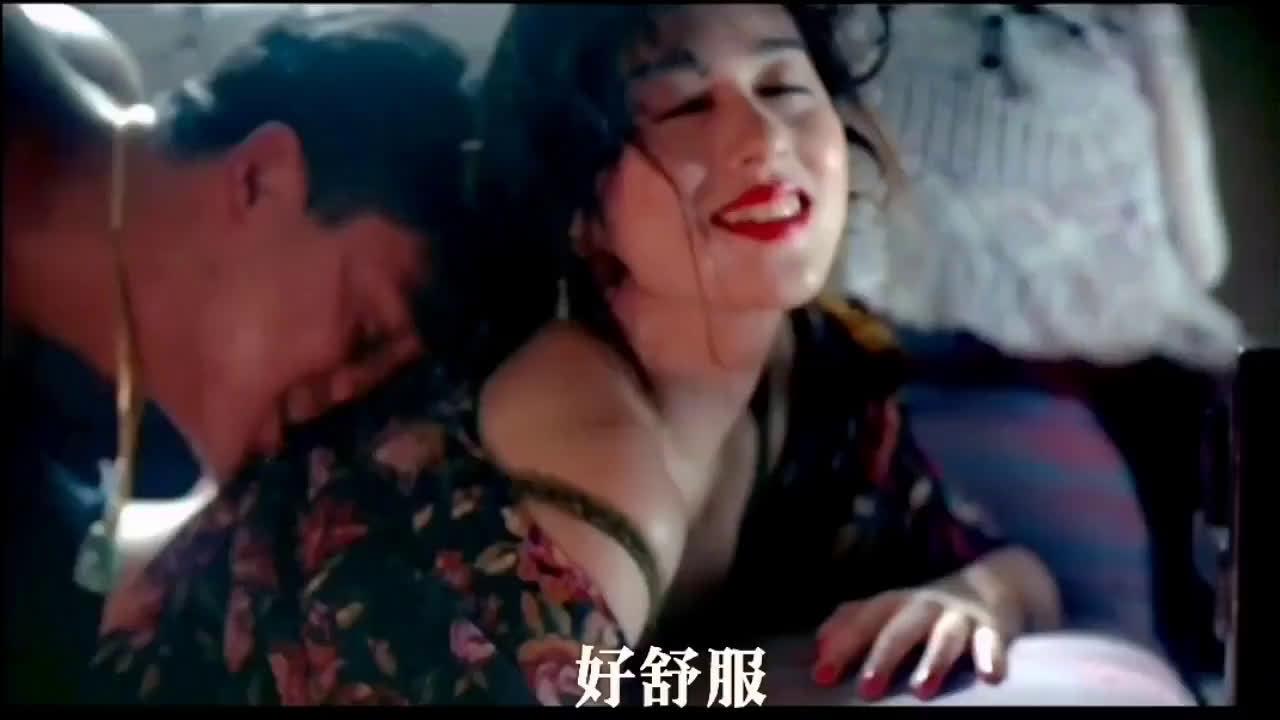 日本女星青山知可子美艳动人,完美的脸蛋完美的性感身材