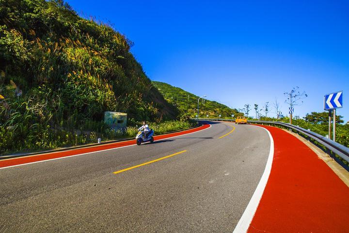 2公里(泗礁本岛通车里程已达102.9公里),慢行道12.2公里,游步道1.