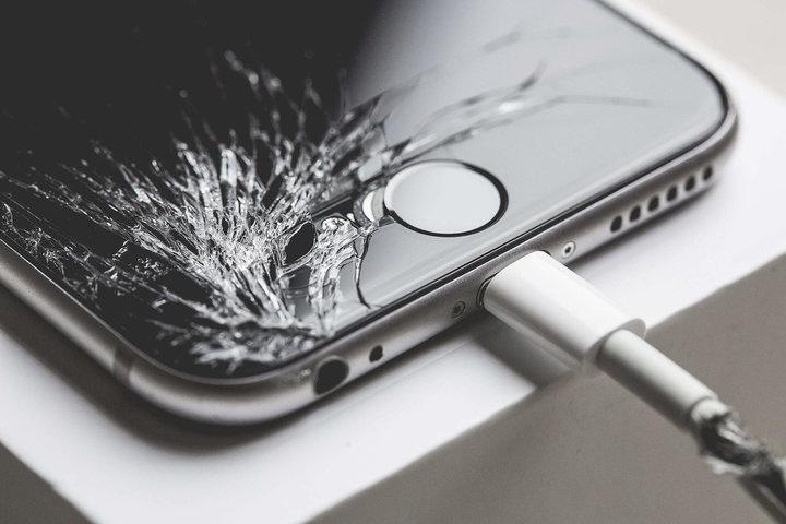 中国留学生用假 iPhone 骗了苹果 600 万,背后是几十亿的售后灰色产业链-黑产爆破吧