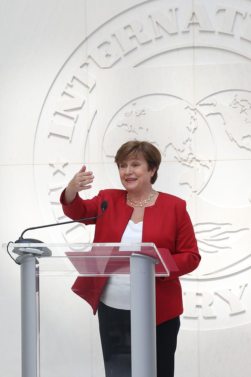 IMF女总裁将推改革,实现男女薪酬公平