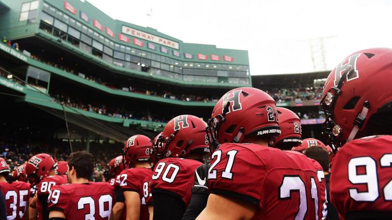 哈佛大学橄榄球队