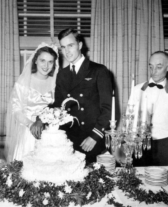 1945年,芭芭拉嫁给了她第一个亲吻的男人